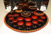 彝族彩绘漆餐具