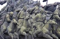 蒙古将士骑马征战铜像