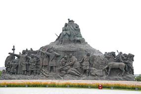 蒙古族草原游牧生活雕像