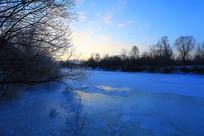 冰河朝阳风景