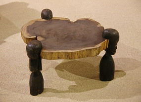 非洲三角木桌人体腿
