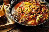 酸菜鱼火锅摄影图