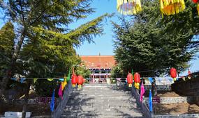 山顶寺庙建筑景观