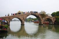 江南水乡朱家角放生桥