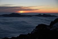 喇叭河焦山的朝霞和云海