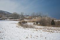 雪后的太行山上村落