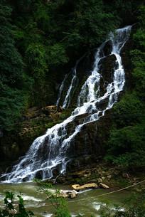 山涧小瀑布