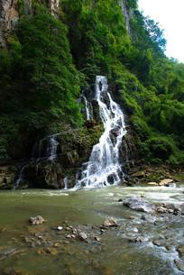溪流与小瀑布