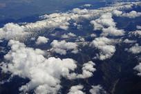 白云漂浮天山