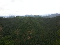 连绵的远山