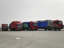 长途货运卡车