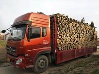 运输木材卡车