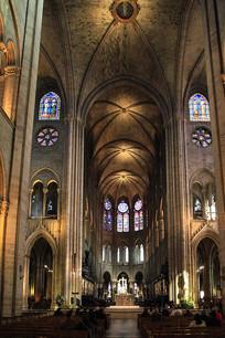 法国巴黎圣母院建筑内部