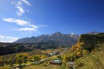 青藏高原山区风光