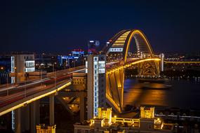 卢浦大桥黄色灯光秀