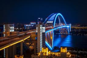 卢浦大桥蓝色灯光秀