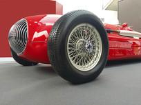 红色轿跑车