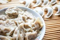 中国传统美食饺子