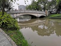 古香古色的小桥流水景观