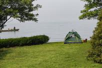 遥望大海绿地帐篷