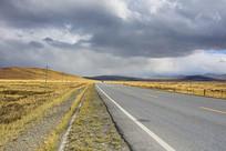 青藏高原国道风光