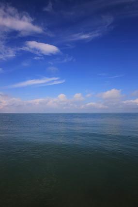 一望无际的青海湖湖面
