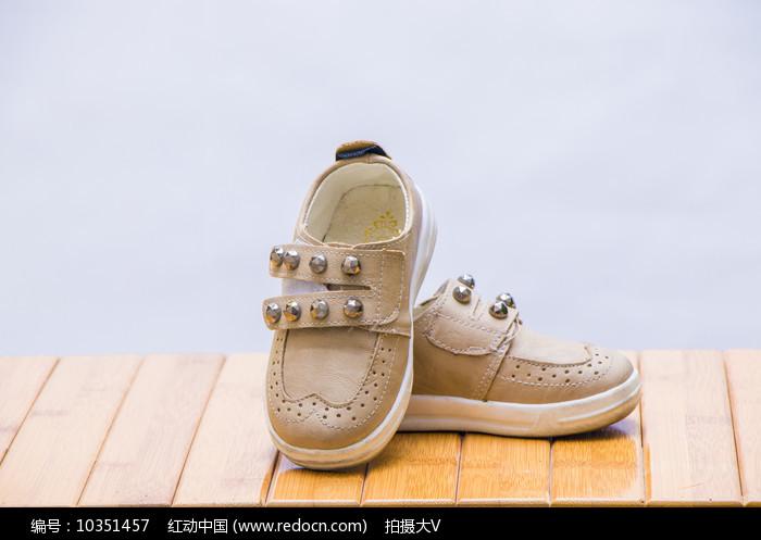 小童韩版鞋子图片