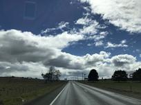塔州蓝天白云交通