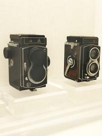 两台老款相机