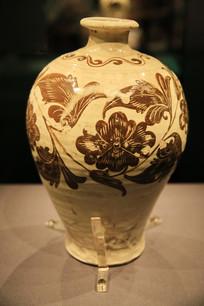 白釉褐彩花纹梅瓶辽代