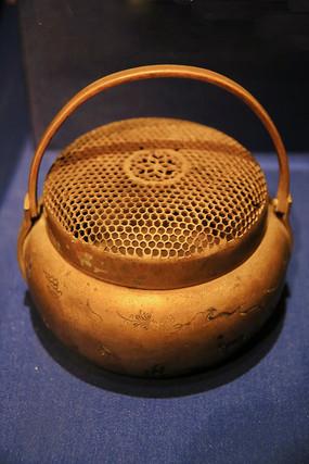 黄铜刻凤纹手炉