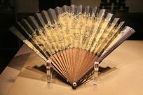 枣木刻百寿字山水折扇清代
