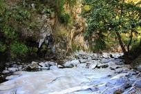 滴水河风光之巨大岩石