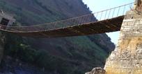 潞江坝双虹桥风光之古老吊桥