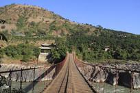 潞江坝双虹桥风光之古老桥板