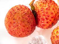 新鲜水果红色妃子笑白底图片