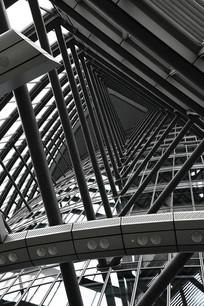 上海中心三角形构造