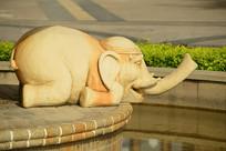 喷泉雕塑-可爱的大象