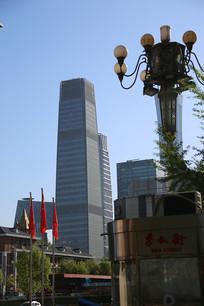 远处拍的国贸大厦