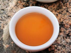红茶和石头