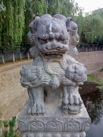 石狮子雕刻艺术