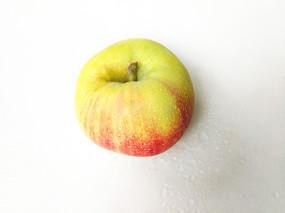 拍摄白里透红苹果
