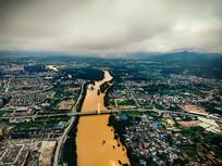 航拍桂林漓江洪水南洲大桥