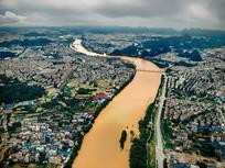 航拍桂林漓江洪水围城