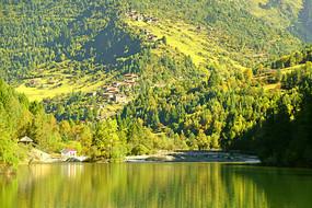 黑水泽娜措湖的湖光山色