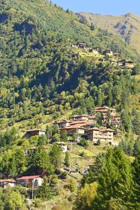 三达古村之一的上达古藏寨