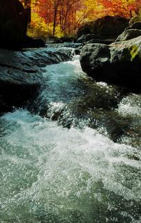红叶谷小溪水