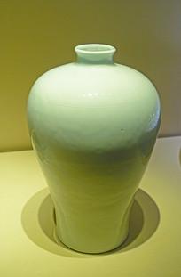 明代白釉暗花纹梅瓶