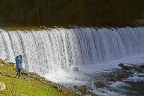 黑水高原海子泽娜措的河坝