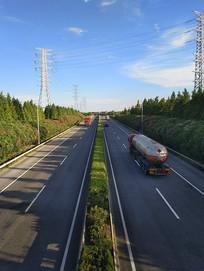 高速路运输车